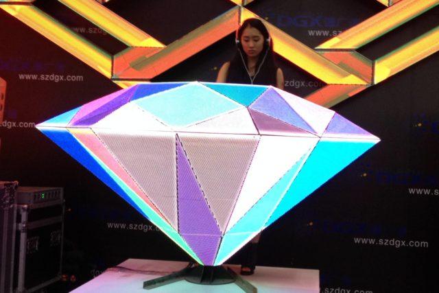 LEDビジョン/DJブース「ダイヤモンド -Diamonds|DGX社製」